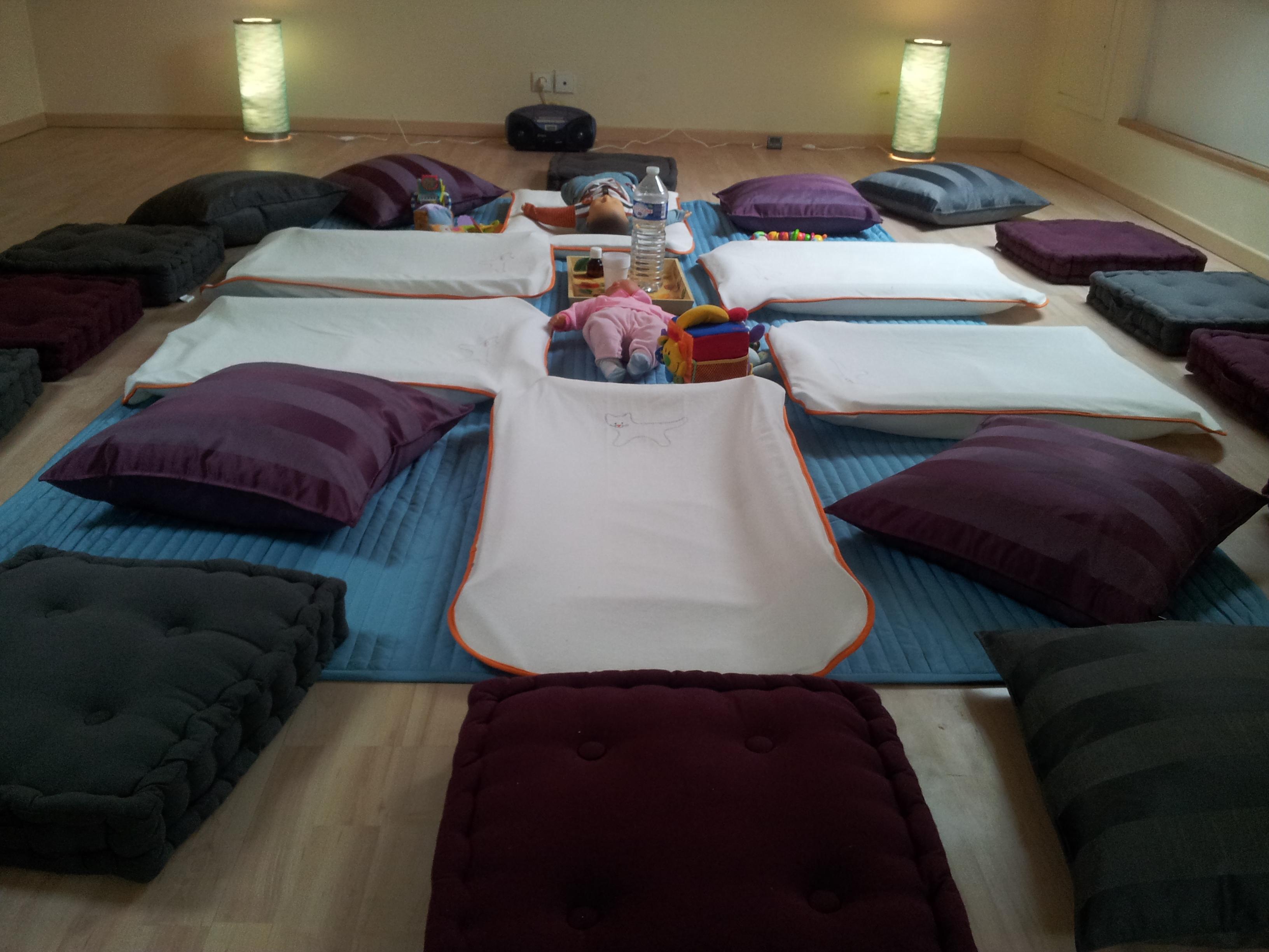 Espace dédié au massage bébé collectif - 5
