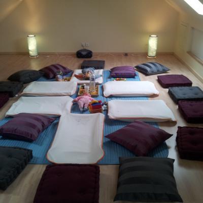 Espace dédié au massage bébé collectif - 4