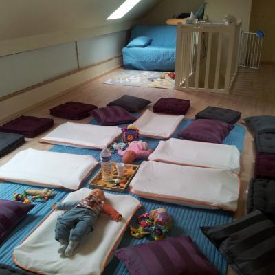 Espace dédié au massage bébé collectif - 3