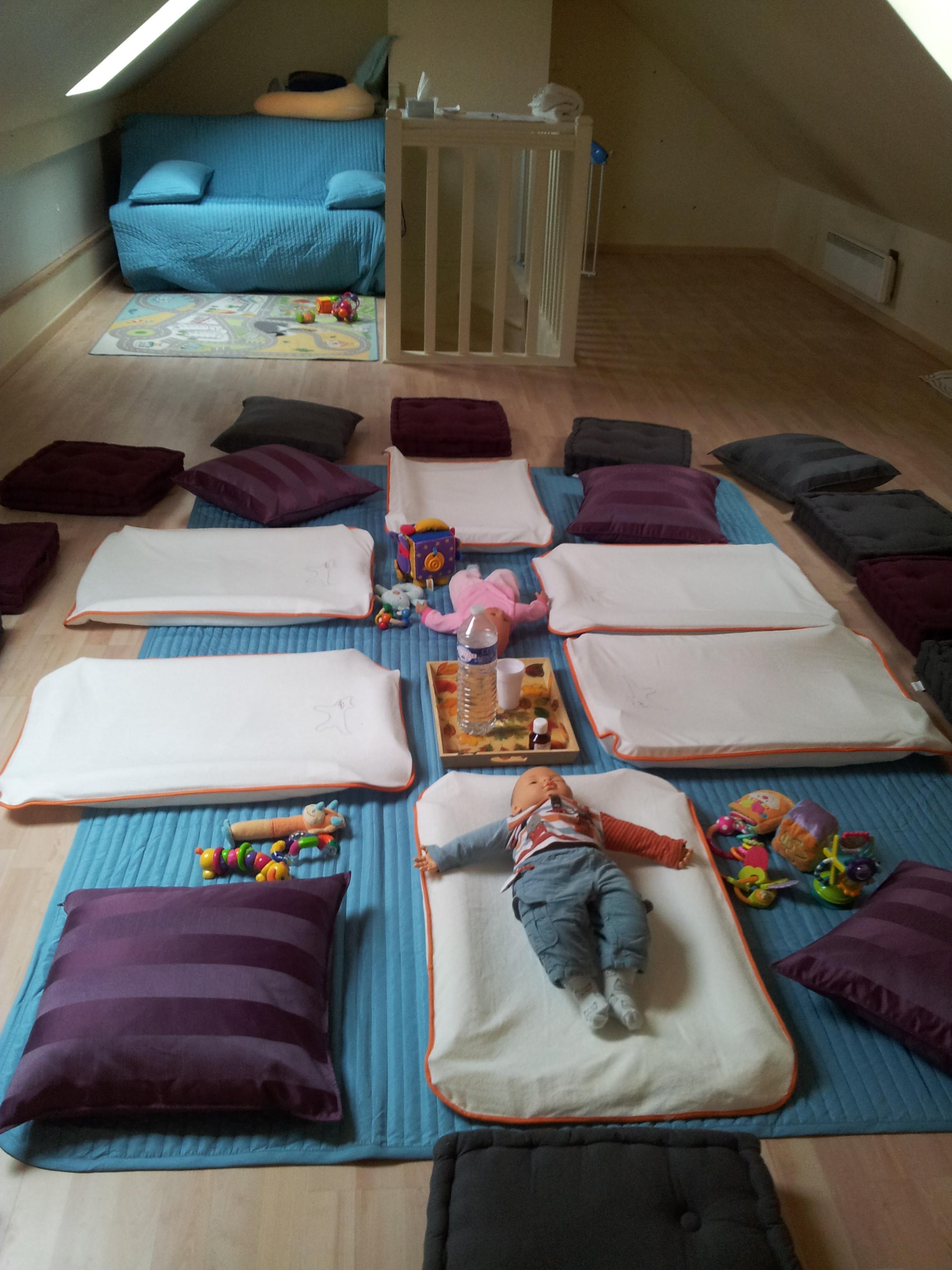 Espace dédié au massage bébé collectif - 2